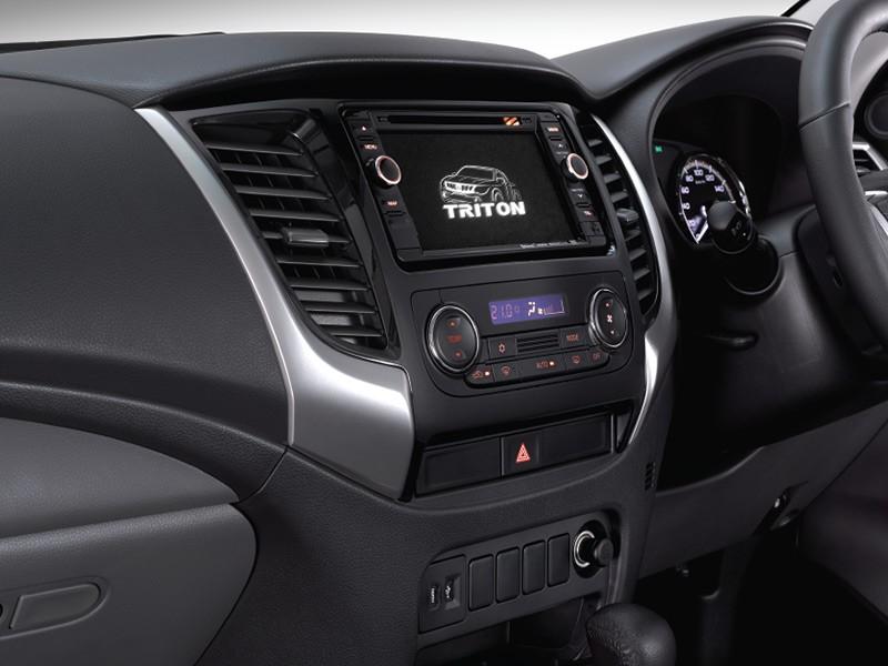 Spesifikasi Interior Mobil Mitsubishi Strada Triton Surabaya MitsubishiMobilku