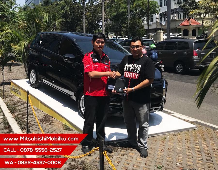 Serah Terima Mobil Mitsubishi Xpander Hartono Kertajaya Surabaya
