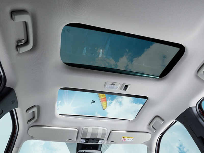Interior Mobil Mitsubishi Eclipse Cross Power Panoramic Sunroof